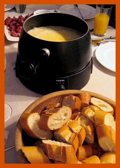 Christmas-cookie-swap-cheese-fondue © J Horak-Druiff 2005