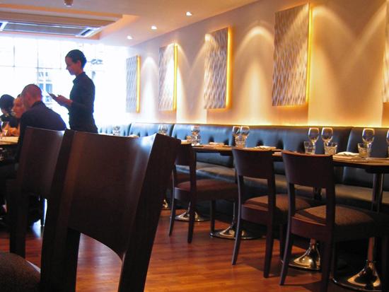 Arbutus restaurant room