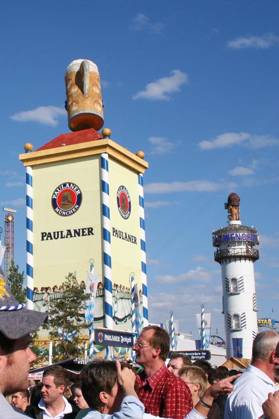 Munich-Oktoberfest-Paulaner-Lowenbrau © J Horak 2019