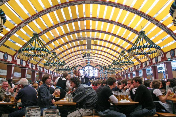 Munich-Oktoberfest-Lowenbrau-tent © J Horak 2019