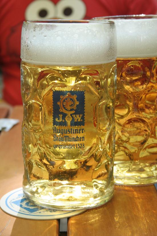 Munich-Oktoberfest-Augustiner-beer © J Horak 2019
