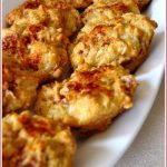Ham, cheese and paprika muffins