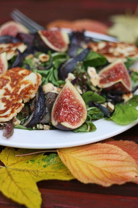 Food 1 2017 9 6 Fig Prosciutto Salad >> Fig Halloumi And Hazelnut Salad Cooksister Food Travel