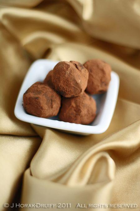 ChocolateOrangeTruffles © J Horak-Druiff 2011