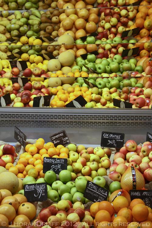 GOteborg Saluhallen Fruit © J Horak-Druiff 2012