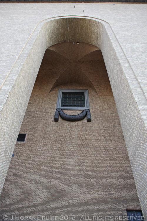 Goteborg Museum Arch © J Horak-Druiff 2012