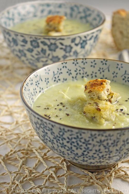Cream of Asparagus soup © J Horak-Druiff 2012