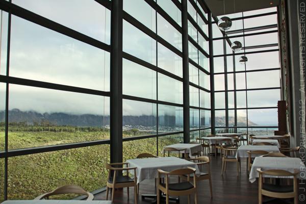 Waterkloof dining area © J Horak-Druiff
