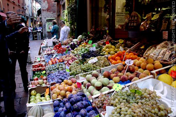Bologna market 2 © J Horak-Druiff 2012