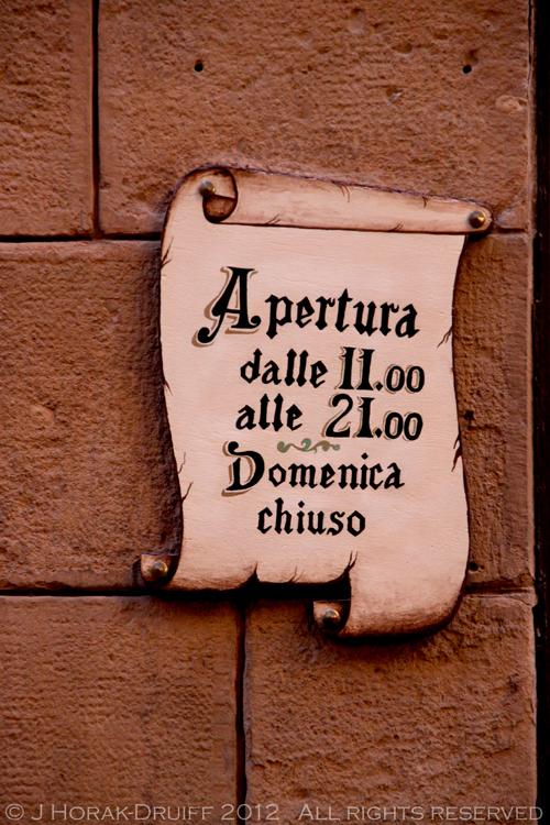 Bologna bar sign © J Horak-Druiff 2012