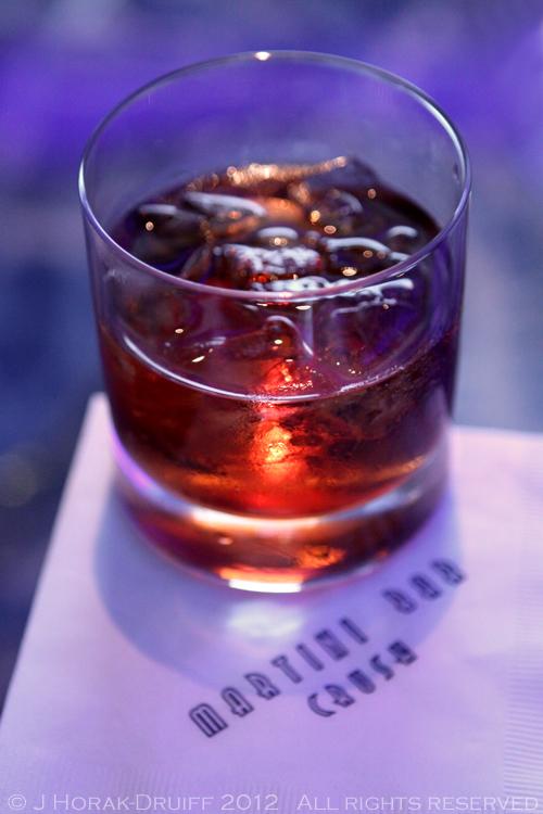 Celebrity Reflection martini bar negroni © J Horak-Druiff 2012