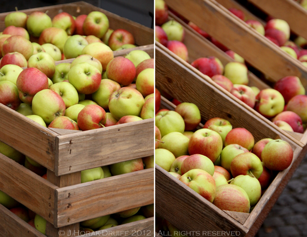 Malmo farmers market apples © J Horak-Druiff 2012