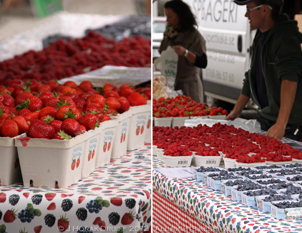 Malmo farmers market berries © J Horak-Druiff 2012