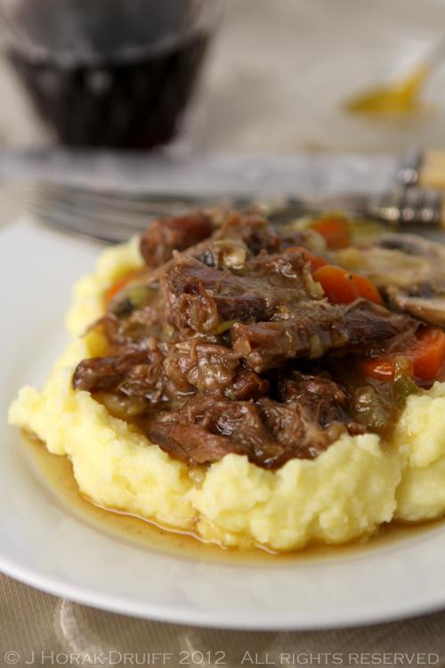 Sous vide oxtail stew title © J Horak-Druiff 2012