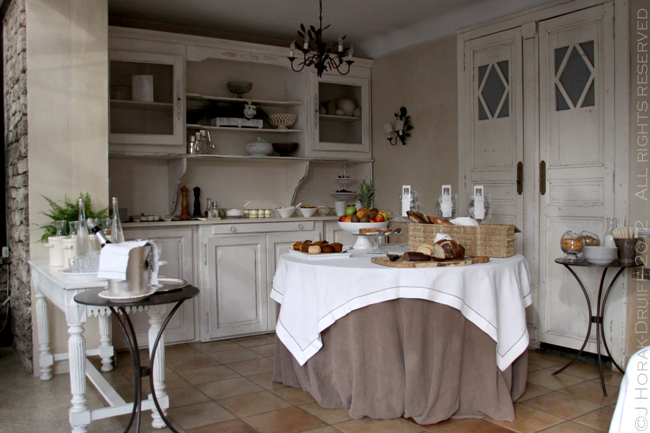 Bastide de Capelongue breakfast buffet © J Horak-Druiff 2012