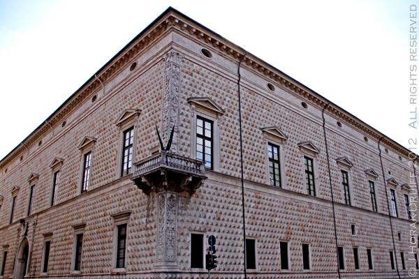Ferrara Palazzo dei Diamanti © J Horak-Druiff 2012