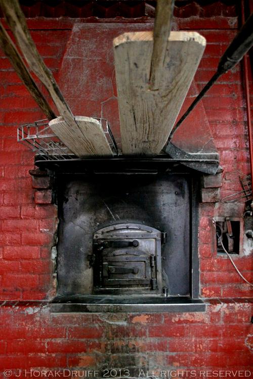 Alentejo Grandola bakery old oven © J Horak-Druiff 2013