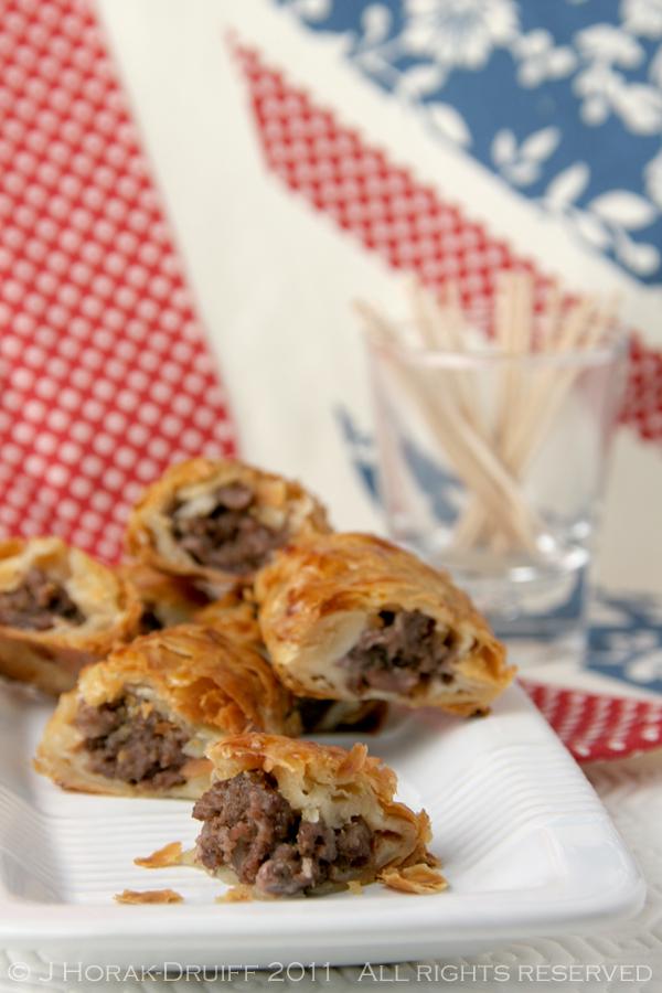Boerewors mini sausage rolls title © J Horak-Druiff 2011