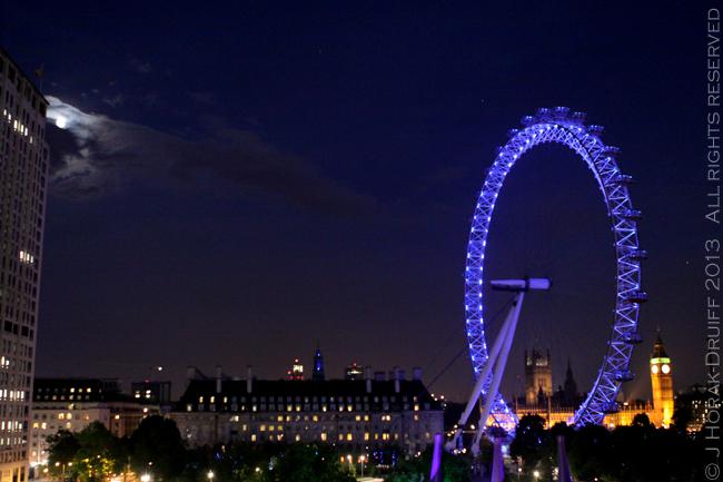 LondonMoonrise © J Horak-Druiff 2013