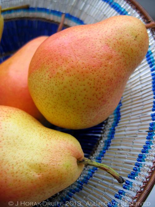 Pears © J Horak-Druiff 2013
