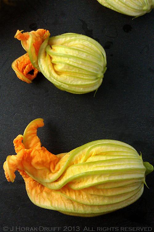 ZucchiniFlowersRaw © J Horak-Druiff 2013