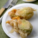 How to make fried stuffed zucchini flowers