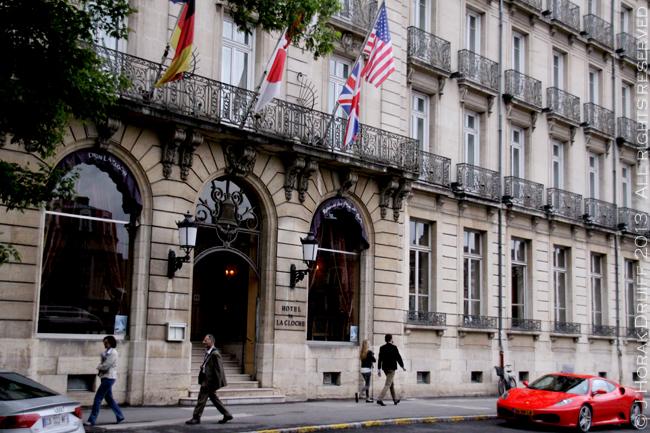 HotelLaClocheDijonTitle © J Horak-Druiff 2013