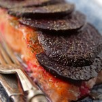 Baked salmon fillets with beetroot and dill