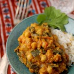 Creamy chickpea, spinach and zucchini curry