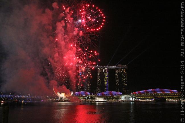SingaporeF1Fireworks © J Horak-Druiff 2014