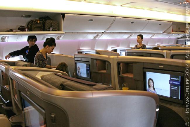 SingaporeAirlinesBoeing777BusinessClassCabin