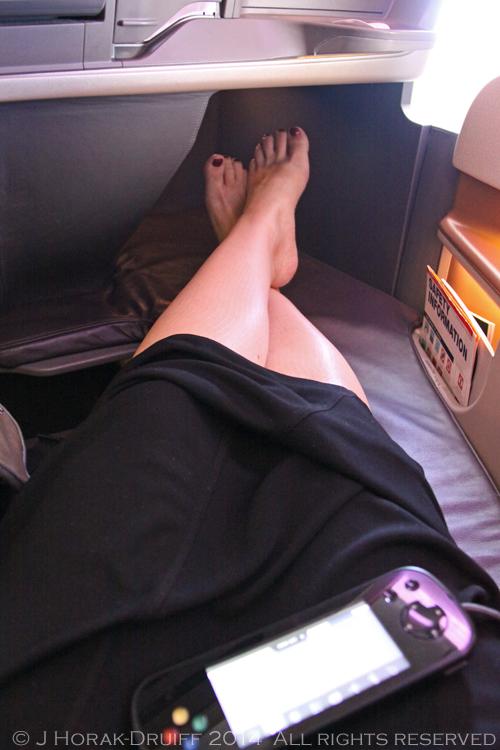 SingaporeAirlines777BusinessClassFootrest