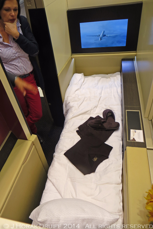 Etihad787FirstBed