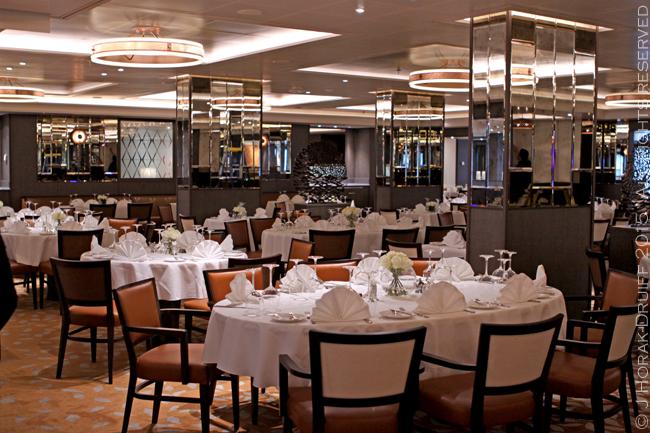 P o britannia inaugural celebrations and a first look for P o britannia dining rooms
