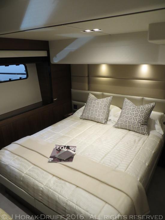 London-Boat-Show-Princess75-Bed2