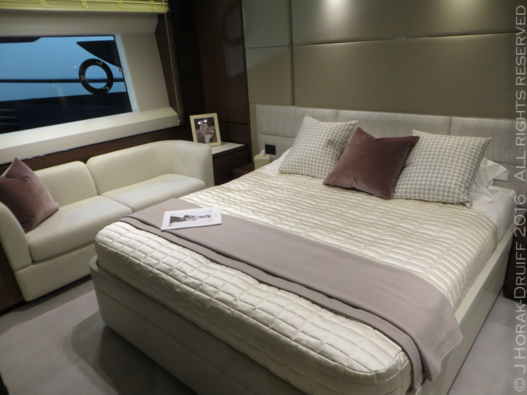 London-Boat-Show-Princess75-MasterSuite