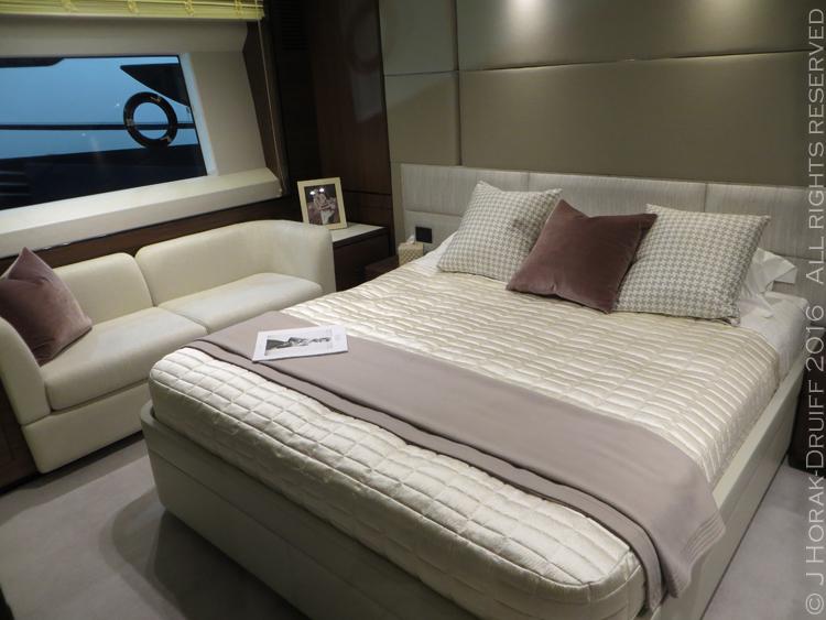 London-Boat-Show-Princess75-MasterSuite