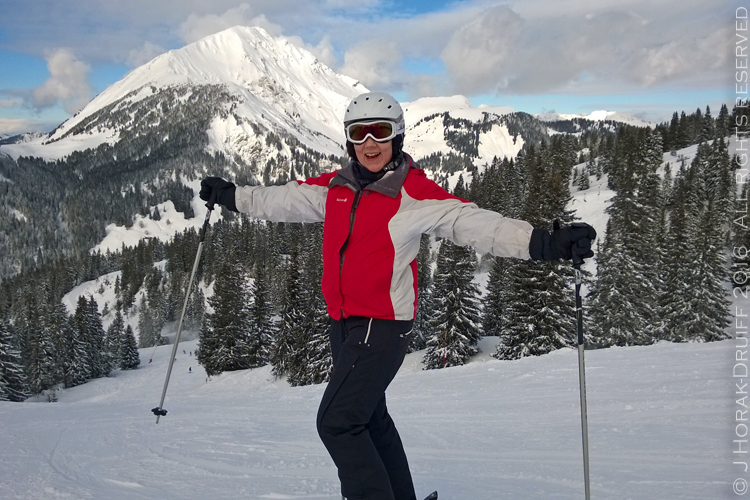 Jeanne-skiing