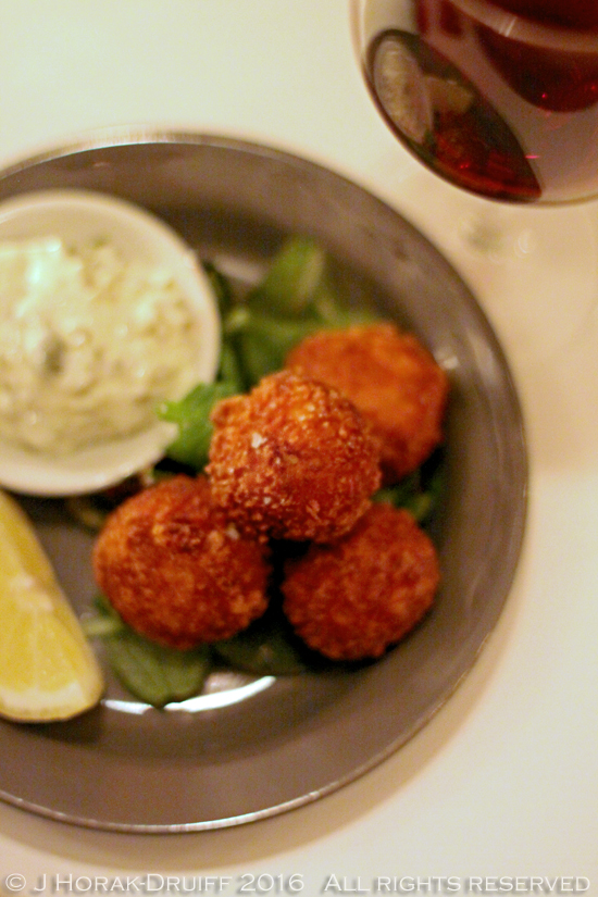 Anderson-and-Co-Crab-cakes