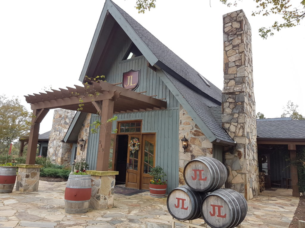 yadkin-valley-jolo-winery-tasting-room