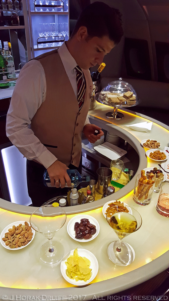 Emirates-A380-barman