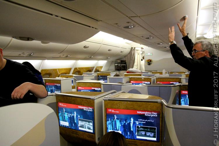 EmiratesBuisinessclassCabin2