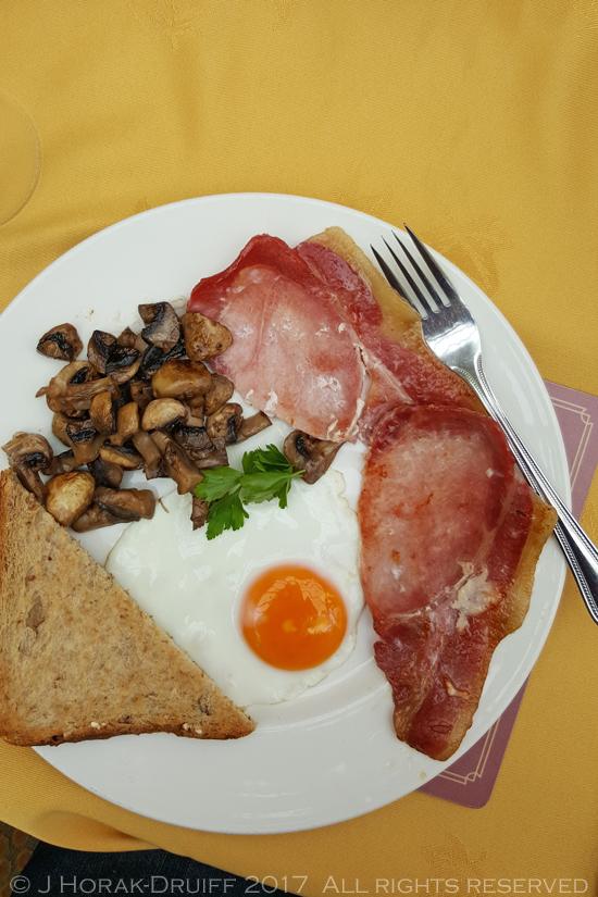 Wales-Parc-Le-Breos-Breakfast