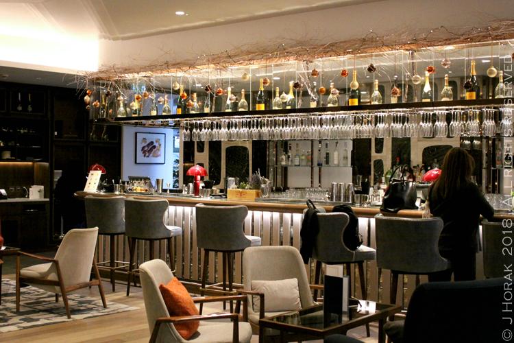 Devonshire_Club_Sushi_brunch_Bar