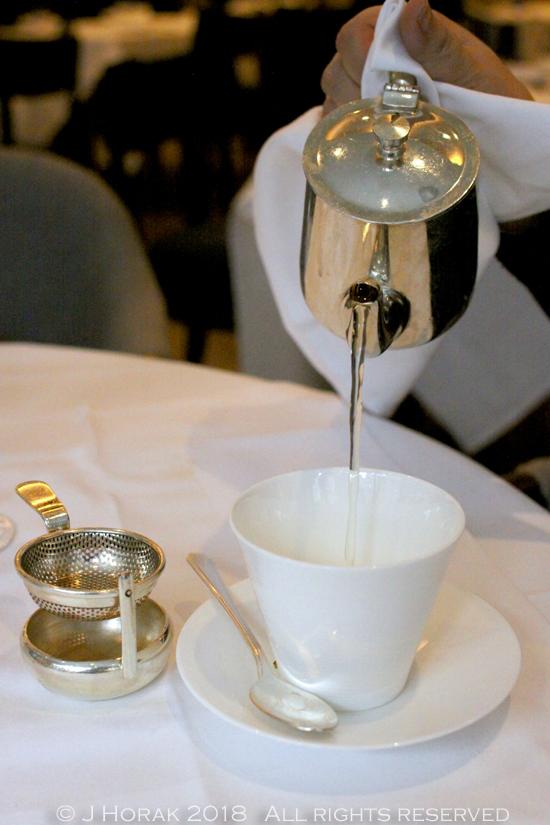 Devonshire_Club_Sushi_brunch_Tea