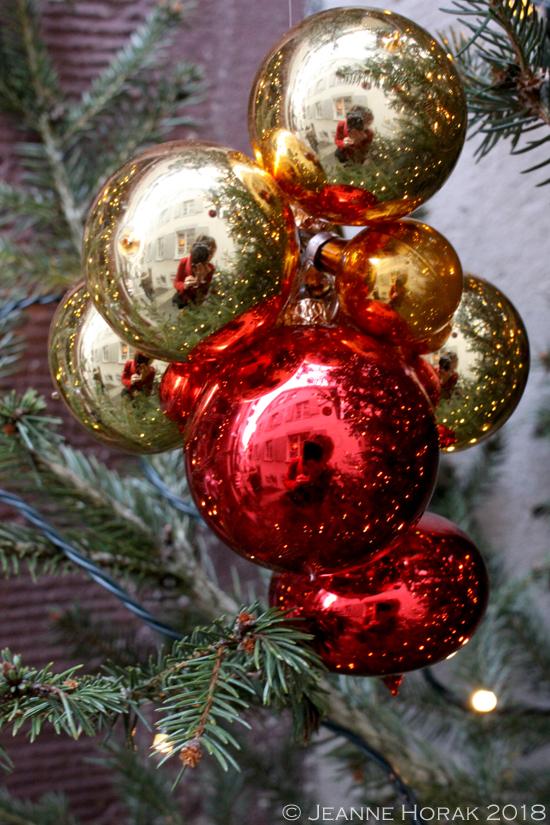 Basel-Christmas-baubles