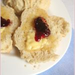 Mamma's no-recipe scones