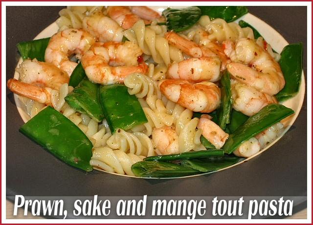prawn-sake-mange-tout-pasta
