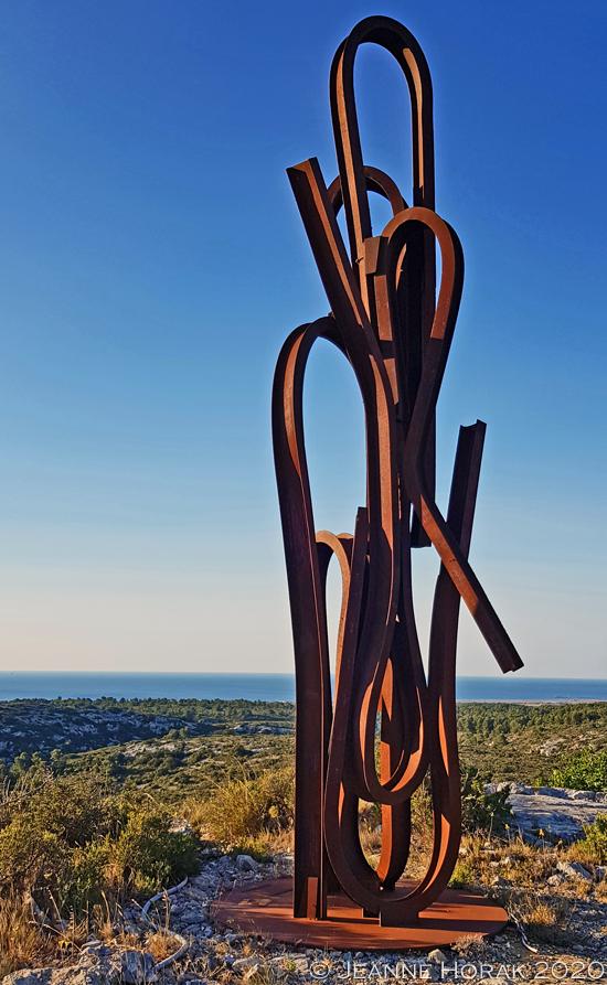 Gerard-Bertrand-Hotel-sculpture © Jeanne Horak 2020