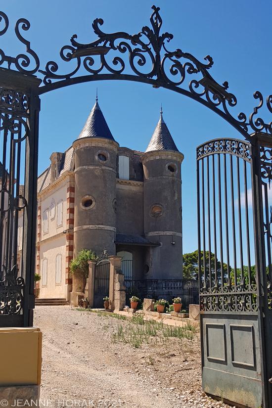 Domaine La Provenquiere entrance
